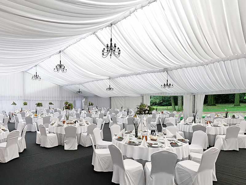 Hala weselna o wymiarach 25x35 m na uroczystość dla 200 osób