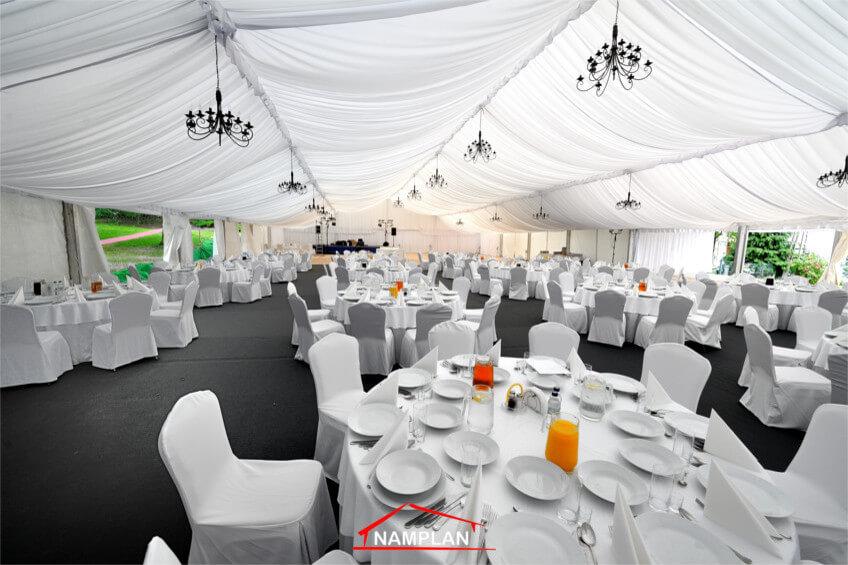 Hala weselna o wymiarach 25×35 m na uroczystość dla 200 osób