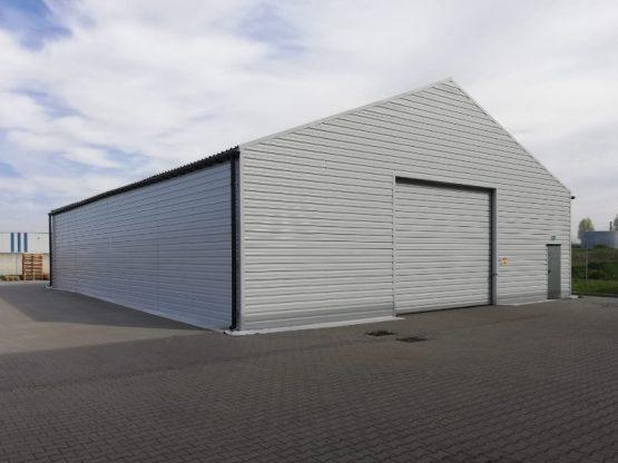 Magazyn 15x20x4m z ścianami i dachem z blachy trapezowej