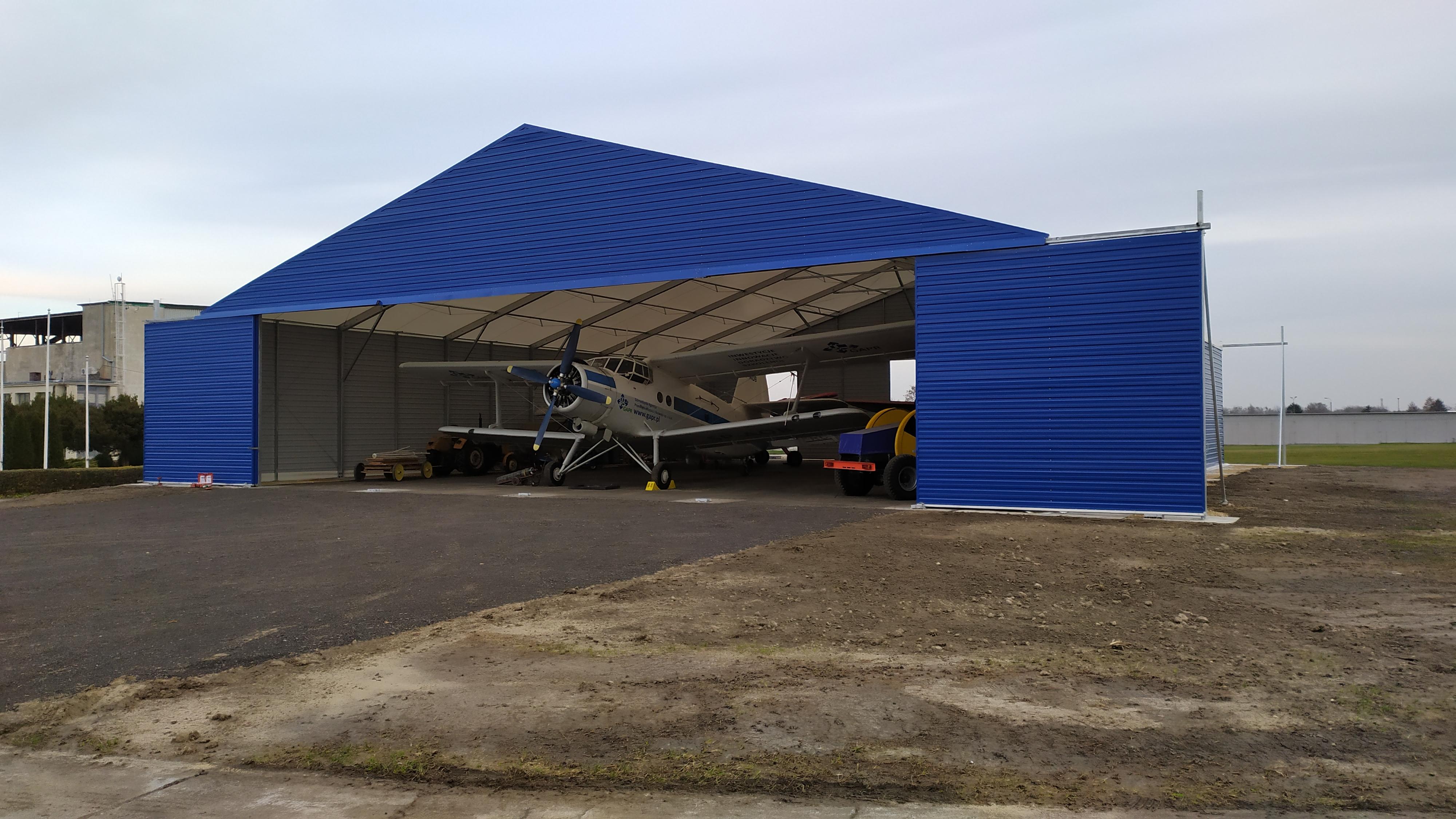 Hangar lotniczy 25x30x5m w Gliwicach